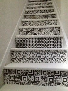d coration sur escalier coller du papier sur les contre marches id d co pinterest. Black Bedroom Furniture Sets. Home Design Ideas