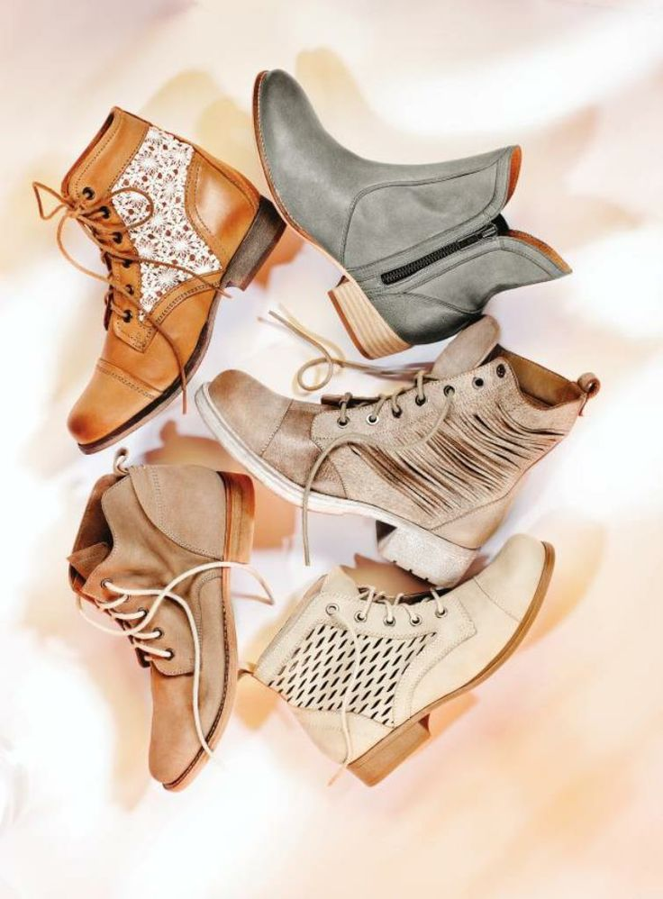 Wear summer boots now and later! #TheArtofSpring