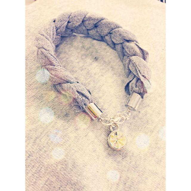 Knitted bracelet in Jersey