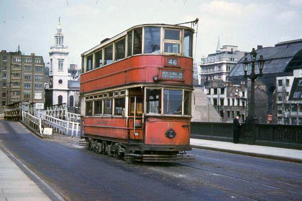 Southwark Bridge London Trams, 1950s - Retronaut