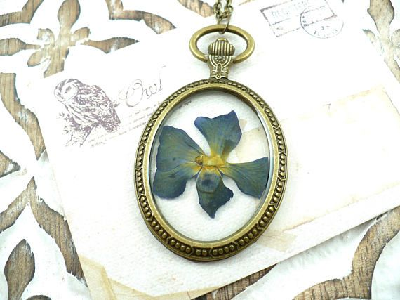 Blue yellow flower in eco-resin* pendant, bronze tone necklace, handmade. Unique piece, made with love!