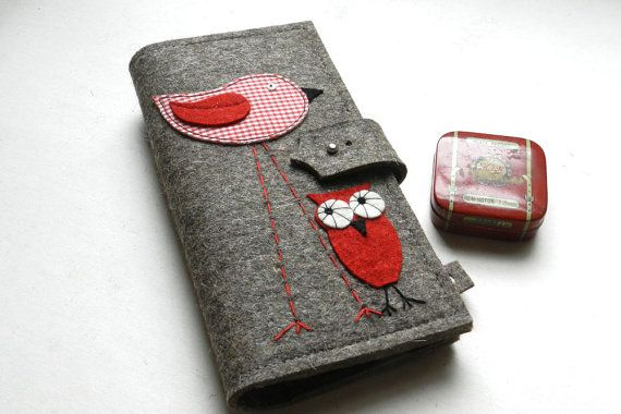 Long Passport Wallet with bird and owl di eFELTbyGrafoGraphic