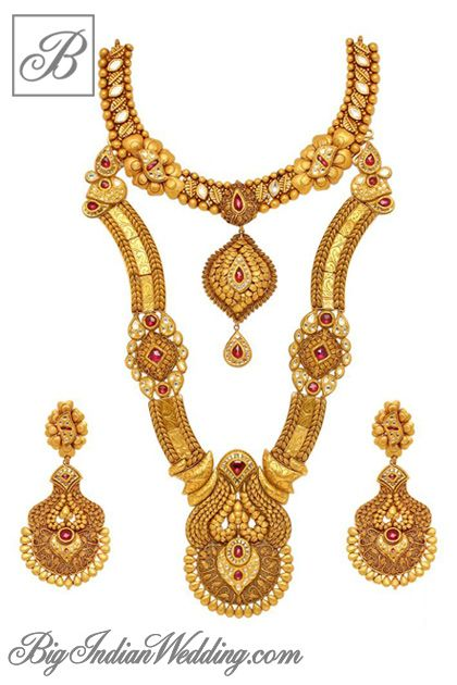 Notandas Jewellers gold necklace with earrings