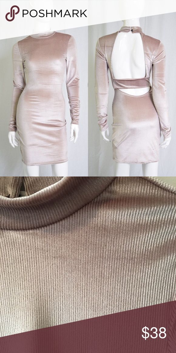 """Long Sleeve Dress Cocoa Long Sleeve Bodycon Dress with Opened Back.  ---------- Materials: 100% Polyester  L: 35"""" from armpit to hen ---------- My Measurements: 5'1 130lbs I wear a medium in this dress Dresses Long Sleeve #bodycondresslongsleeve"""