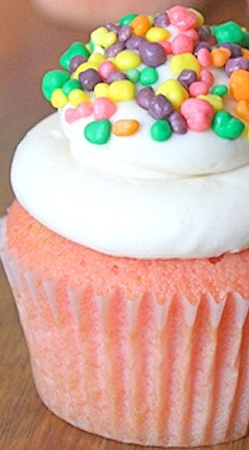 Grenadine Cupcakes with Vanilla Buttercream   The Baking Robot