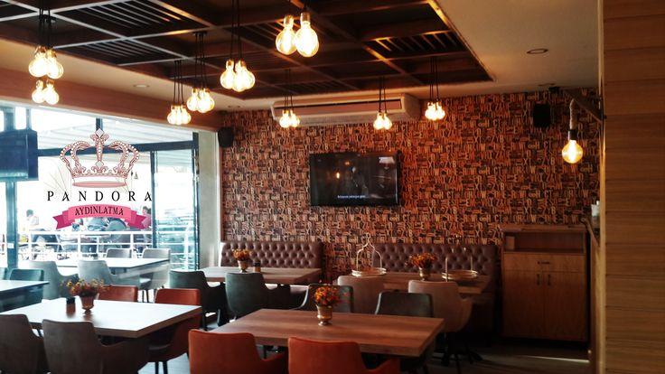 Pandora Aydınlatma markasını ve kalitesini seçen Pastell Cafe Bistro şıklığın ve zerafetin Karadeniz Ereğli ' deki durak noktası olmuştur. Ahşap masalar, sandalyeler, mobilyalar, aynalar ve aydınlatma ürünlerinin birçoğu özel üretim olup Pastell Cafe Bistro için tasarlanmış ve konsept oluşturmuştur. Fiyat ve ürün bilgisi için satis@pandoraaydinlatma.com 'a mail atabilirsiniz ya da 0212 297 0296 numaralı telefonu arayabilirsiniz. #tasarim #decorations #aydinlatmatasarimi…