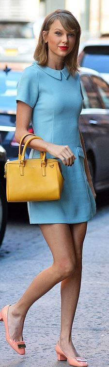 Who made Taylor Swift's blue short sleeve collar dress?