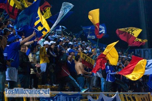Banderas, sombrillas y mucho amor... EMBAJADOR♥