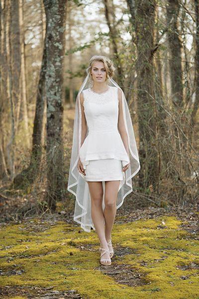 Lillian West 2017: Sfoglia le più belle collezioni e foto di abiti da sposa su Matrimonio.it e lasciati ispirare per il vestito delle tue nozze!