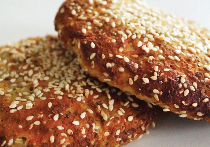 Skønne hvidløgsflute til dig der gerne vil spare på kulhydraterne og stadig spise lækkert brød.