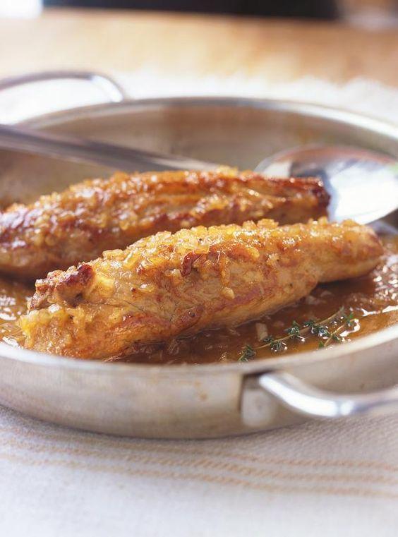 Recette de filets de porc glacés à l'érable. Ingrédients de la recette: filets de porc, beurre, huile végétale, échalotes françaises, moutarde, sirop d'érable