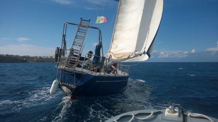 L'Orca 43 con l'equipaggio delle Lega Navale di Ventotene