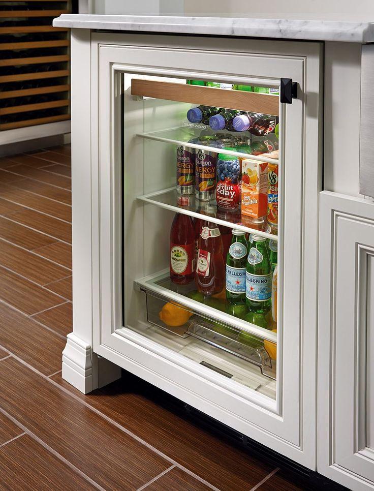 Designer undercounter subzero 24 beverage center
