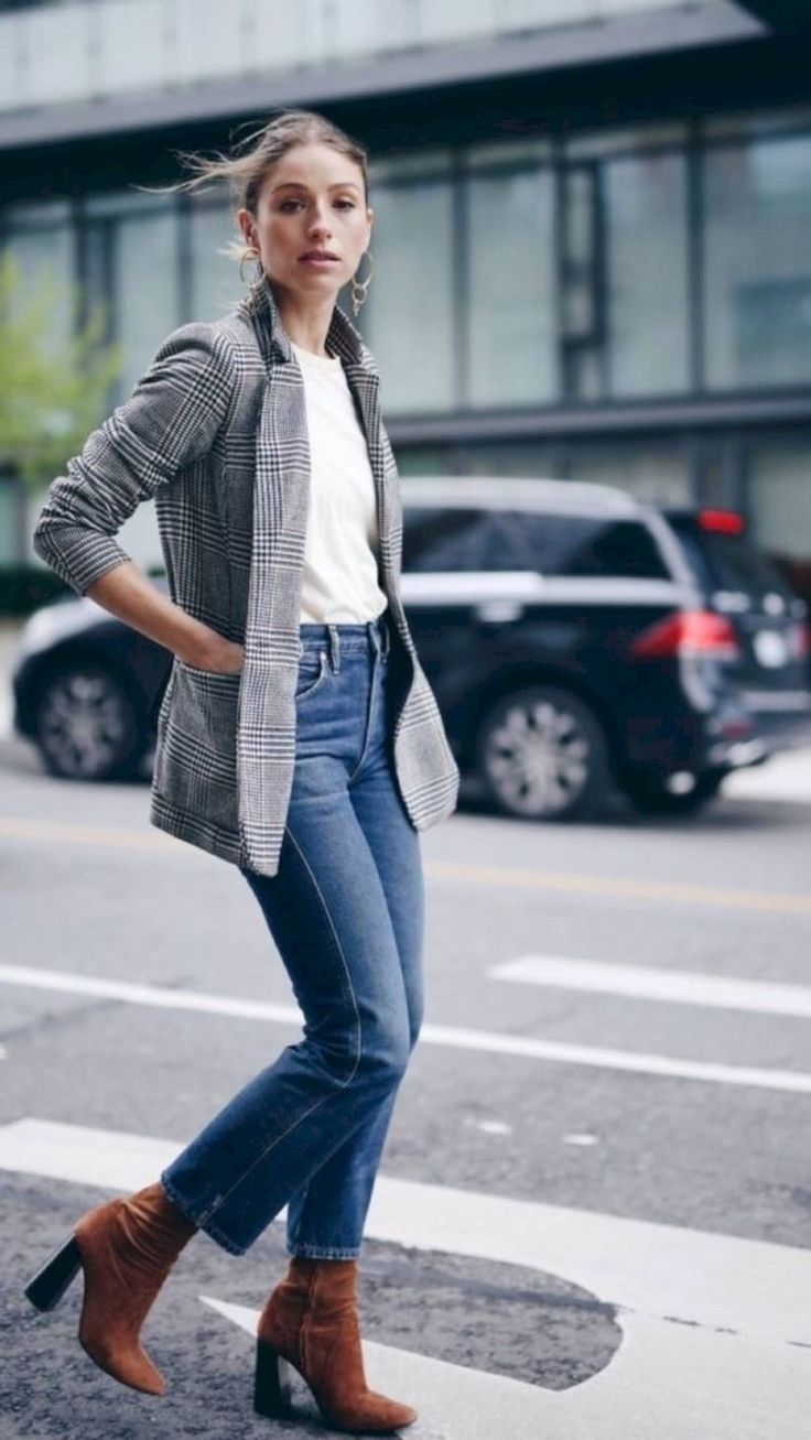 33 Jeans Outfit Idea for Working Women