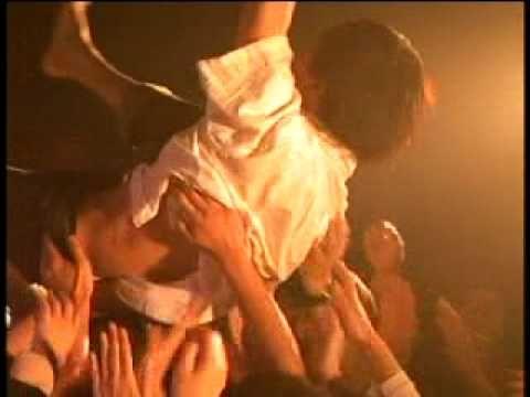 ▶ 神聖かまってちゃん【学校に行きたくない】2010/4/15 渋谷屋根裏 - YouTube