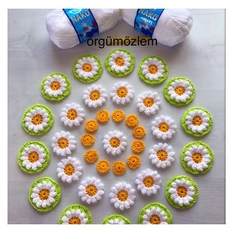 """Uzun bi aradan sonra """"Merhaba""""���� Papatyalı battaniye geliyor ��  #instagram #instagood #instadaily #örgü #örgümodelleri #tığişi #motif #bebekbattaniyesi #bebek #bebekhediyesi #baby #babyroom #babygift #crochet #babyblanket #crochetaddict #crochetlove #handmade #elişi #10marifet #nako #nakosaten #nakoileörüyorum #orgumozlem http://turkrazzi.com/ipost/1523205495329256823/?code=BUjg1PlBfV3"""