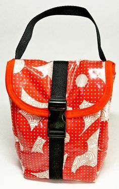 How to make an insulated lunch bag! :)  Also has tips for working with PUL.