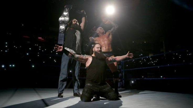Orton & Wyatt retain the SmackDown Tag Team Championship.