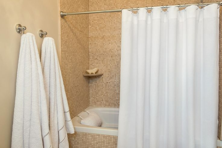 Our 280 gsm waffle shower curtain offers a crisp, understated complement to your bathroom.   Made from 100% Turkish cotton, this curtain brings a natural textural richness for a delightful experience. The product comes in a PVC re-sealable bag for easy storage.  - See more at: http://www.talesma.com/eng/88/talesma--waffle-shower-curtain.html#sthash.o7Rpb0ZT.dpuf