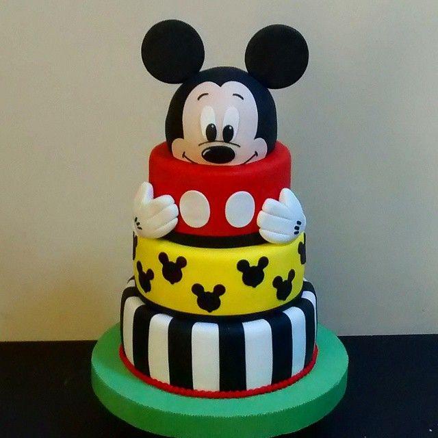 #mickey #mickeymousecake #fondantcake #tortasparaniños #boys #fondant #gumpaste #maracaibo #jenniferquast