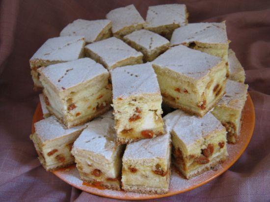 Prăjitură cu urdă şi goji