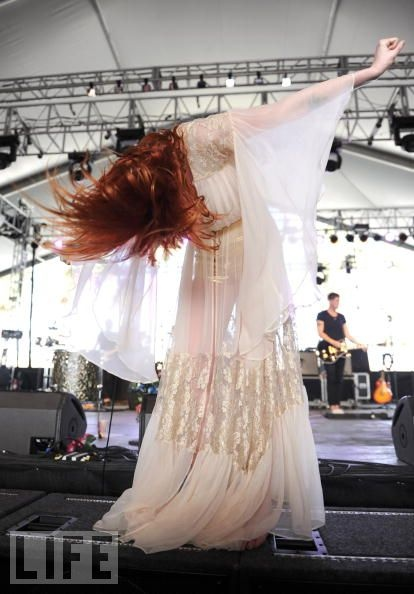 Florence and the Machine at Coachella. Love this shot.