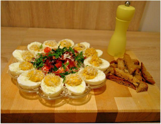 We love our kitchen: Plnené vajíčka Ahoj! Plnené vajíčka sú veľmi chutn...