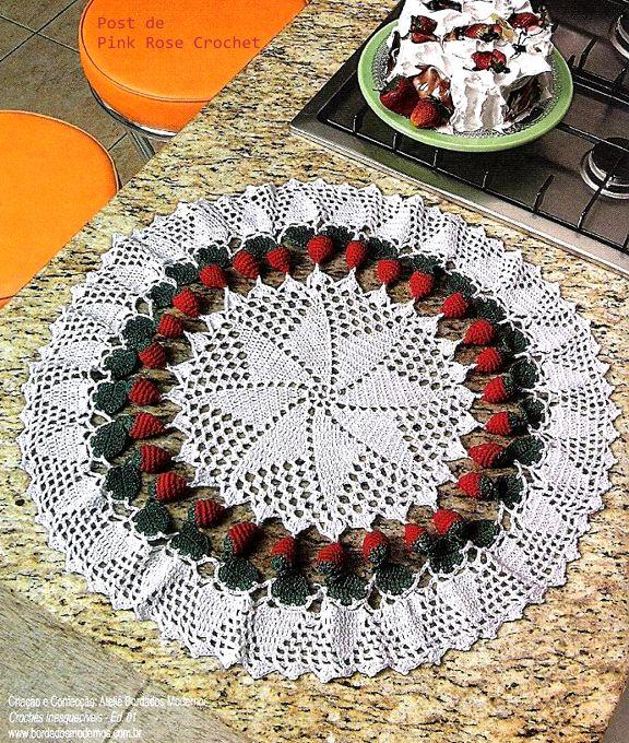 Crochet. Servilleta con fresa