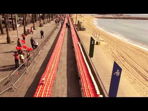 Nocilla Récord Guinness - El bocadillo más grande y solidario del mundo (Nutrexpa) - YouTube