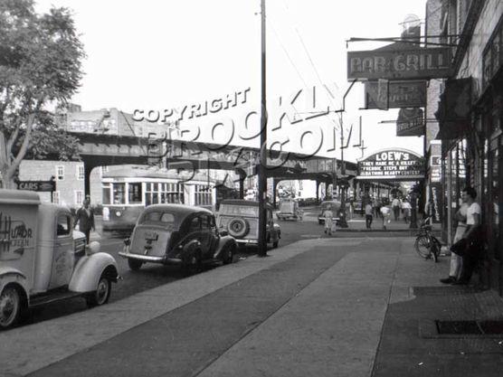 Loew's Oriental Theater on 86th near Bay 19th Street, 1946