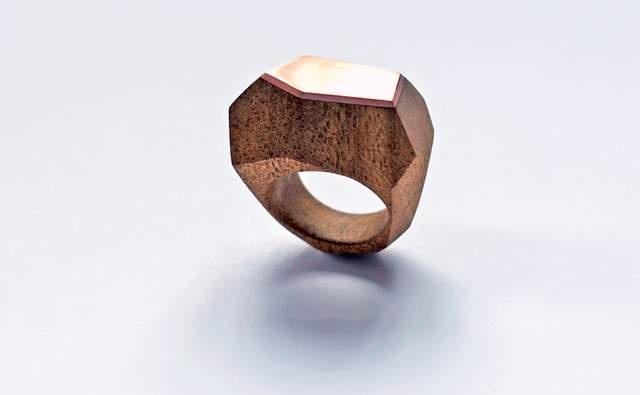 Diana James of dorandkie Jewellery Objects