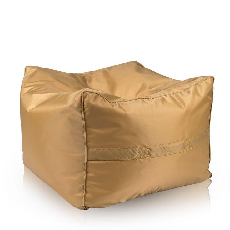 Kolejnym naszym produktem przeznaczonym do użytku na zewnątrz jest pufa Cubo. To duża, sześcienna pufa która łączy wszystkie zalety puf sako z nietypowym dla nich kształtem. Posiada zdejmowany pokrowiec ułatwiający jej wypranie.  http://pufy.pl/na-zewnatrz/354-pufa-cubo-gold.html  #Cubo #pufa #pufasako #mebleogrodowe #mebledoogrodu #meblenazewnątrz #outdoor #ogród #balkon #taras #pufypl
