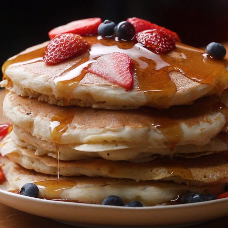 The Fluffiest Vegan Pancake  Pinterest | https://pinterest.com/elcocinillas/