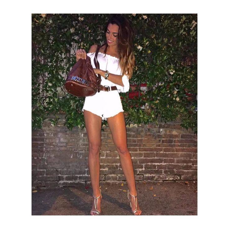 Pantaloncino denim bianco Vita Alta  BY GLAMOROUS ultime taglia a 20!  Per Info/Spedizioni - Whatsapp: 327/16.82.018