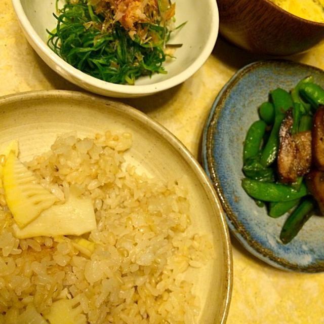 日本人で良かった❤️ - 24件のもぐもぐ - 筍ごはん、自家製ベーコンとスナップエンドウと小松菜の炒め物、オカヒジキのお浸し、絹さやと玉子のお味噌汁 by MIEKO 沼澤三永子