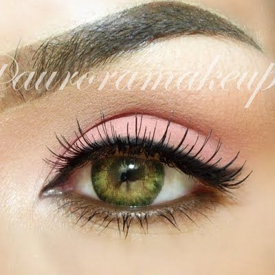 Wanting a fresh look for today? This pale pink eye make up will surely do the trick.