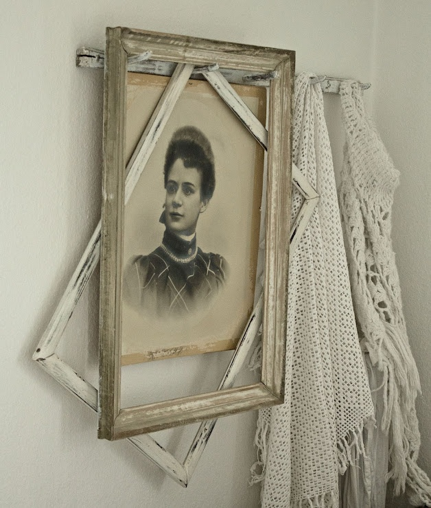 17 Best Images About Empty Frames Diy Wall Art On