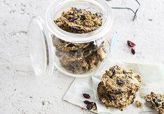 Havermoutkoeken met gedroogde veenbessen TVT-smaakmaker Sandra http://www.detafelvantine.be/bericht/havermoutkoeken-met-gedroogde-veenbessen