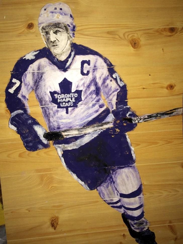 """""""This guy may have laced up for both teams tonight, but here's #DarrylSittler lookin for a W @MapleLeafs #Art fans!"""""""