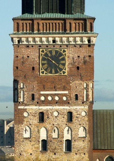 Turku Cathedral Tower - Postikortti / Postcard 10x15 cm (4x6 inches) on Carta Integra 265g paper -photo by Vesa Loikas - 2009