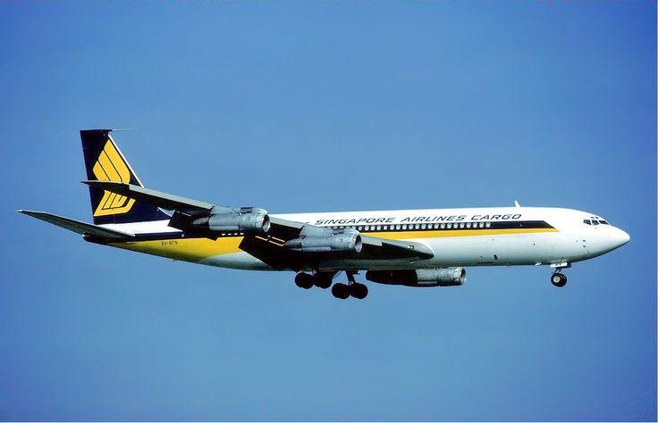 Boeing 707 - Singapure Airlines.