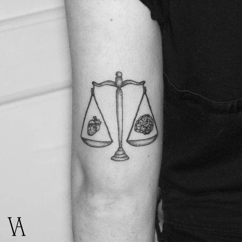 Balance tattoo on the left tricep. Tattoo artist: Violeta Arús                                                                                                                                                     Mehr
