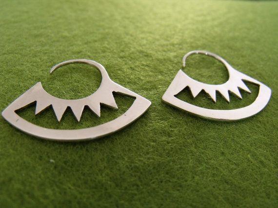 Mira este artículo en mi tienda de Etsy: https://www.etsy.com/listing/99553449/sterling-silver-earrings-hoop-earring