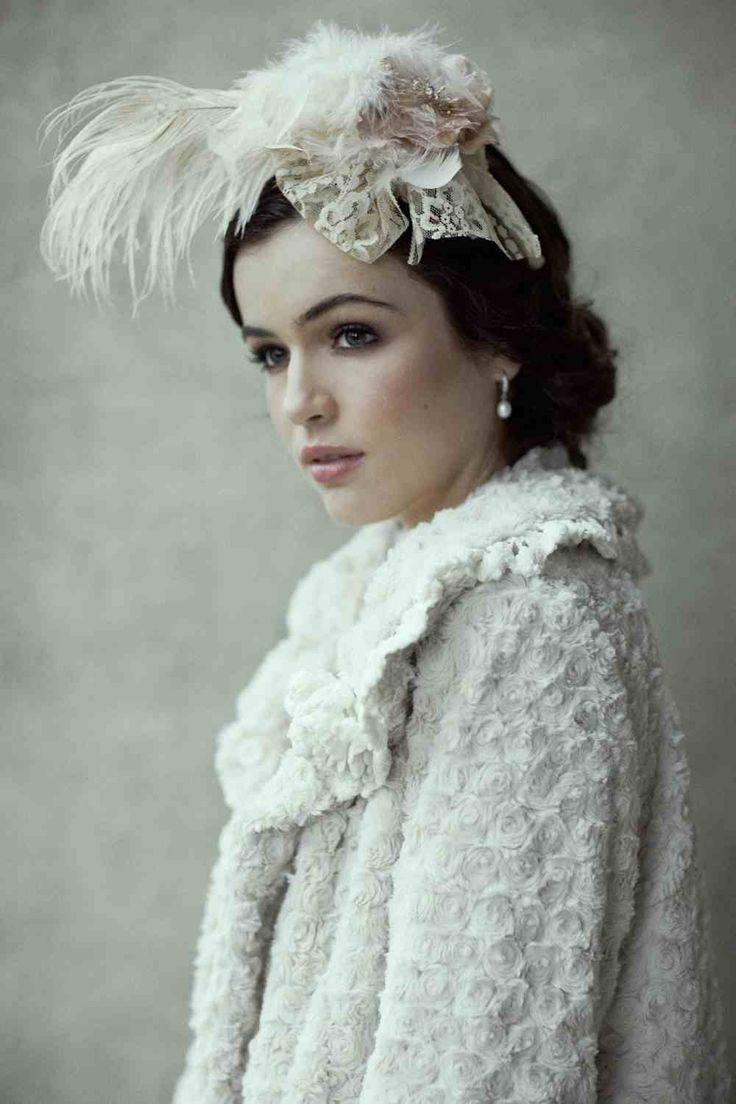 winter-wedding-hair-piece