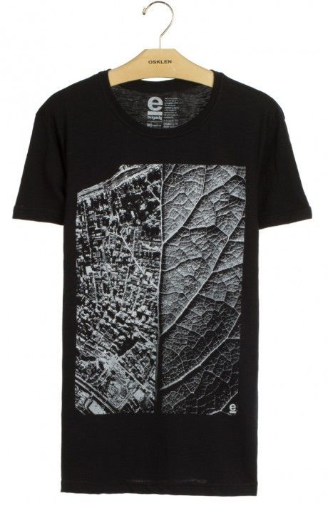 T-shirt organic rough black living city by @Osklen na @embau_brazilianwear_store . Disponível na loja online embaustore.pt/
