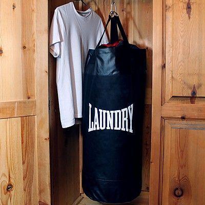 Un saco de boxeo para tu ropa sucia