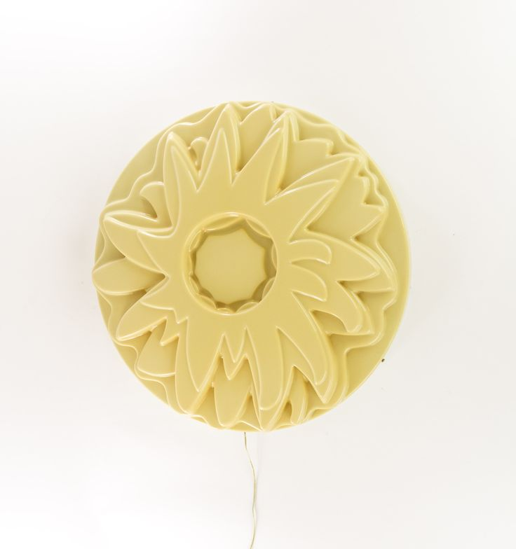 'Dalia' wall or ceiling lamp designed by Gino Marotta for Design Centre and manufactured by Francesconi.