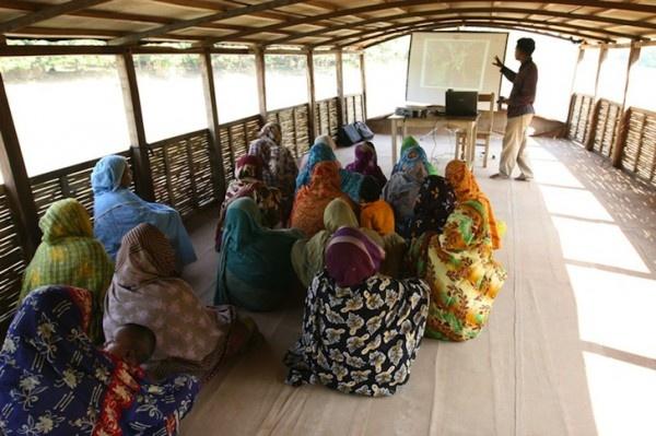 sempre la scuola ad energia solare in Bangladesh...