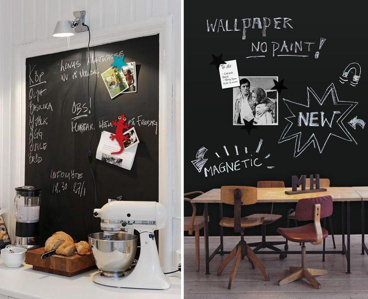 Het behang bestaat uit fijne ijzerdeeltjes op een ondergrond van vinyl. Deze ijzerdeeltjes maken het kleefkrachtig voor magneten. Ideaal om dingen aan op te hangen én het leent zich uitstekend voor krijttekeningen die goed afwasbaar zijn.   http://groovymagnets.com/nl/magneetbehang/magneet-behang-schoolbord-krijtbord/krijtbord/?id=7
