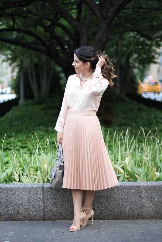 Pleated Skirt   Blush Tones |Corporate Catwalk by Olivia | Fashion Blogger in the Corporate World